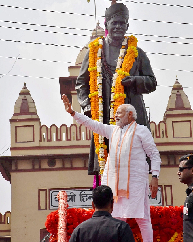 EC probes Congress claims on Modi broke model code in Varanasi