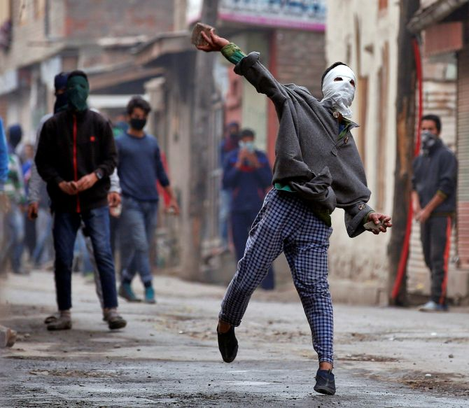 'Stone pelting incidents in J-K down to 327 in 2020'