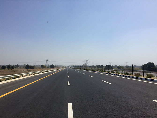 The Agra-Lucknow expressway, one of the Samajwadi Party government's major achievements. Photograph: Archana Masih/Rediff.com