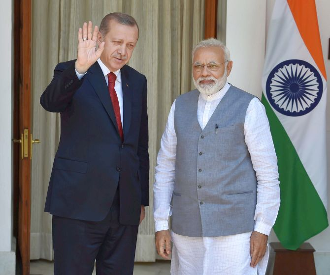 Prime Minister Narendra Modi with Turkish President Recep Tayyip Erdogan at Hyderabad House, April 30. Photograph: Shahbaz Khan/PTI Photo