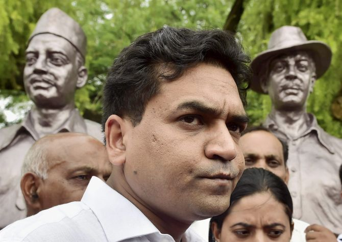 Kapil Mishra gets EC notice over 'India vs Pak' tweet