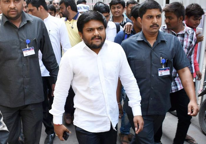 Congress gives three quota options to Hardik's group