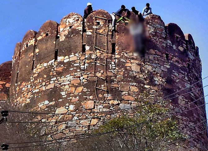 Padmavati protest turns deadly: Body found hanging at Jaipur fort