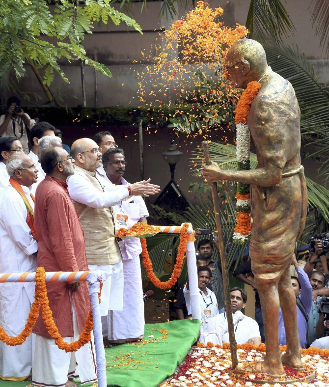 6 times when BJP leaders insulted Mahatma Gandhi