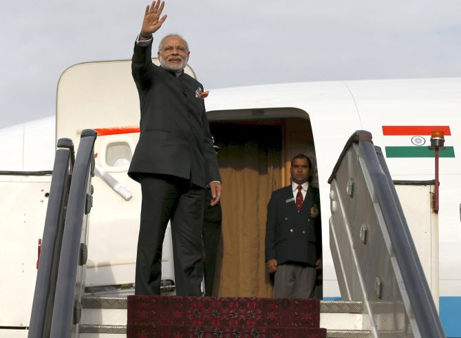 Rs 255cr spent on PM's chartered flights in past 3 yrs
