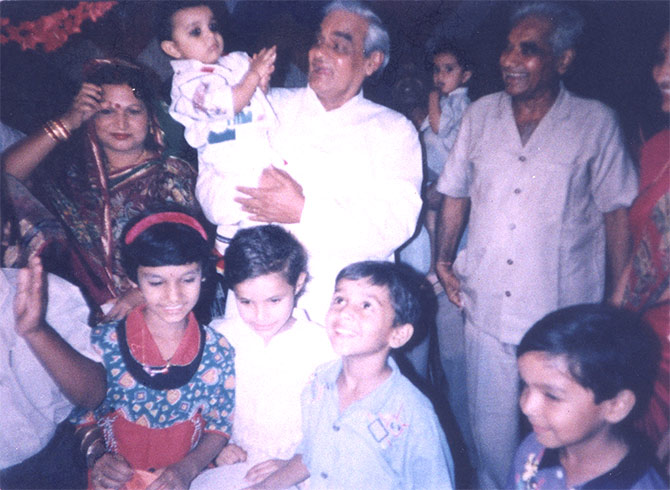 Atal Bihari Vajpayee surrounded by his little relatives