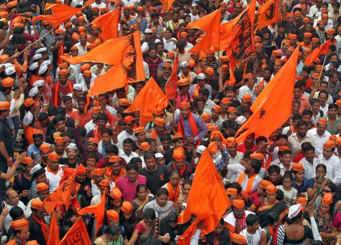 SC strikes down Maha law granting quota to Marathas