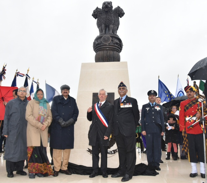 Vice-President Shri Muppavarapu Venkaiah Naidu at the inauguration of the Indian War Memorial at Villers Guislain, France, November 10, 2018