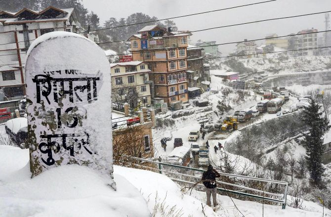 India News - Latest World & Political News - Current News Headlines in India - Winter Wonderland! Shimla receives season's first snowfall
