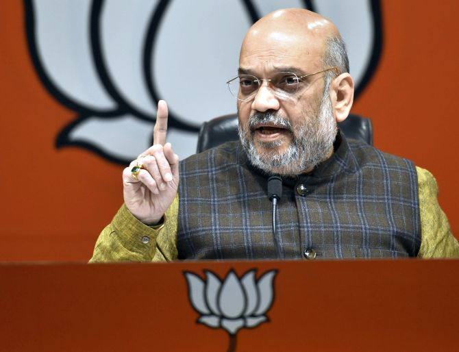India News - Latest World & Political News - Current News Headlines in India - Rafale deal: Amit Shah asks Rahul to apologise; Congress demands JPC probe