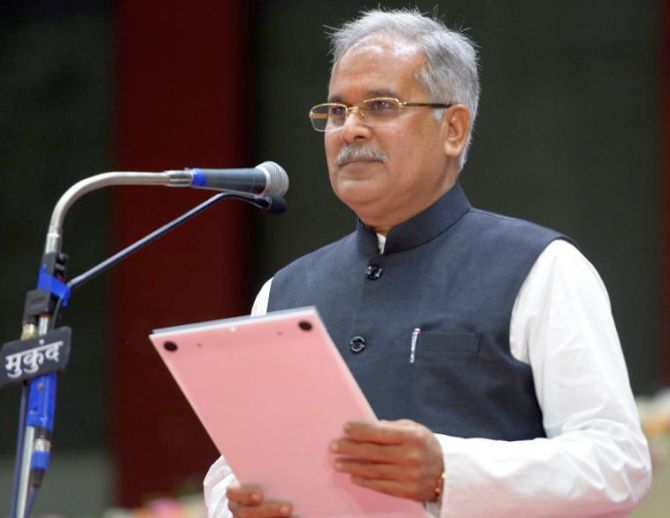 India News - Latest World & Political News - Current News Headlines in India - Bhupesh Baghel sworn in as Chhattisgarh CM