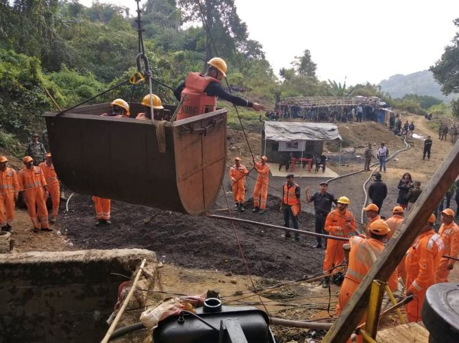 India News - Latest World & Political News - Current News Headlines in India - 7 days on, search operation resumes to trace missing Meghalaya miners
