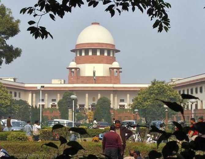 SC grants bail to 17 in post-Godhra riots case