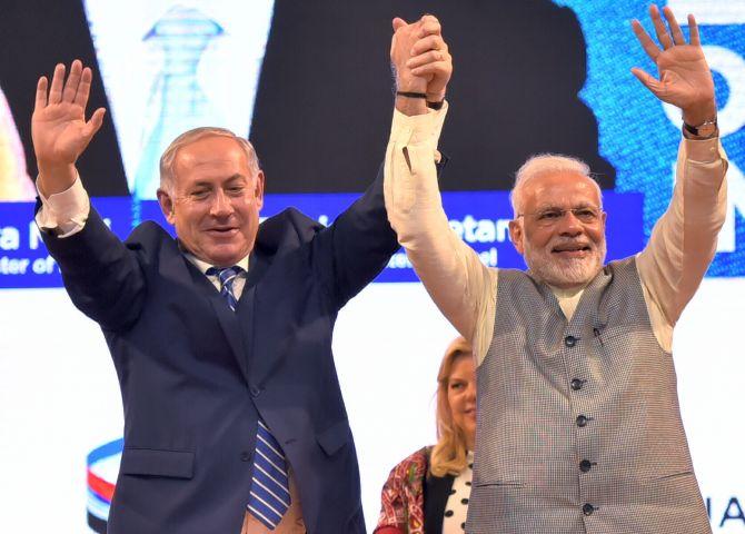 Roadshow, flying kites, visit to Sabarmati Ashram: Netanyahus in Gujarat