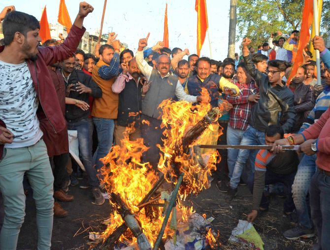 Contempt pleas against Karni Sena, 4 states for violence over Padmaavat