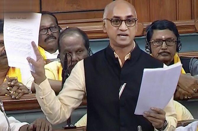 Dad steps down, Jayadev Galla helms Amara Raja