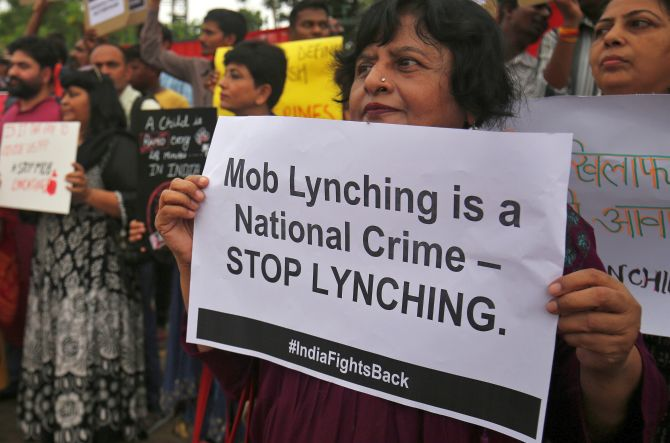 No Muslim arrested for Palghar lynching: Maha HM