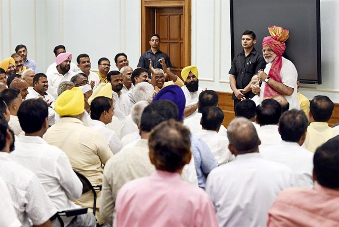 Prime Minister Narendra Damodardas Modi interact with sugarcane farmers, at Lok Kalyan Marg, June 29, 2018. Photograph: Press Information Bureau