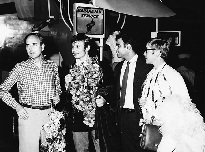 Actor Michael York (second left) and director James Ivory (left) and producer Ismail Merchant (second right), promoting their film 'The Guru' in India, 1967. Photograph Keystone/Hulton Archive/Getty Images.