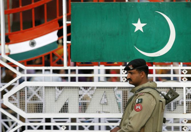 2 Indian High Commission officials in Pak go missing