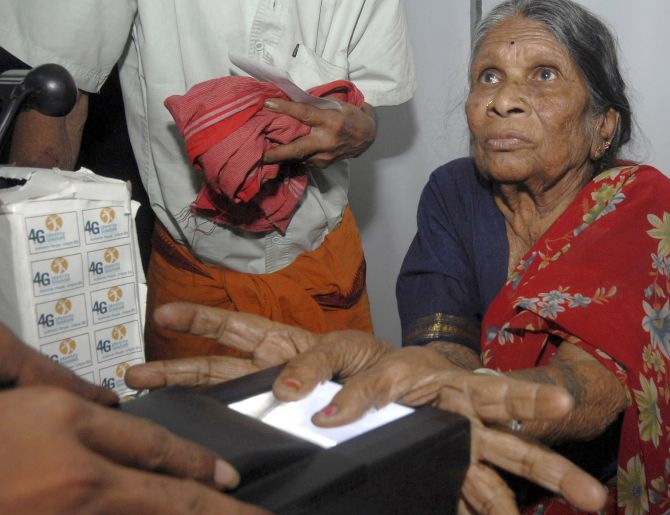 3 weeks after launch date, Aadhaar's virtual ID yet to roll out