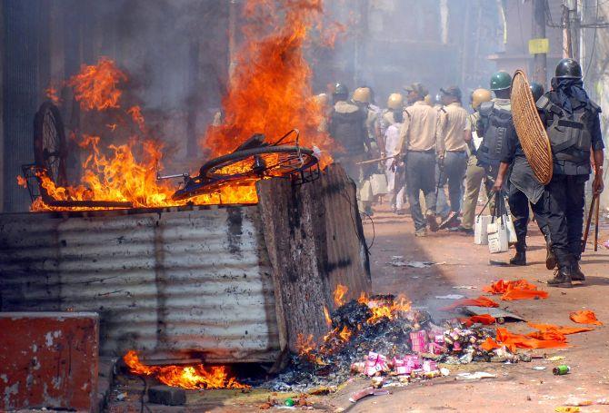 In verdict on Bengal post-poll violence, EC gets a rap