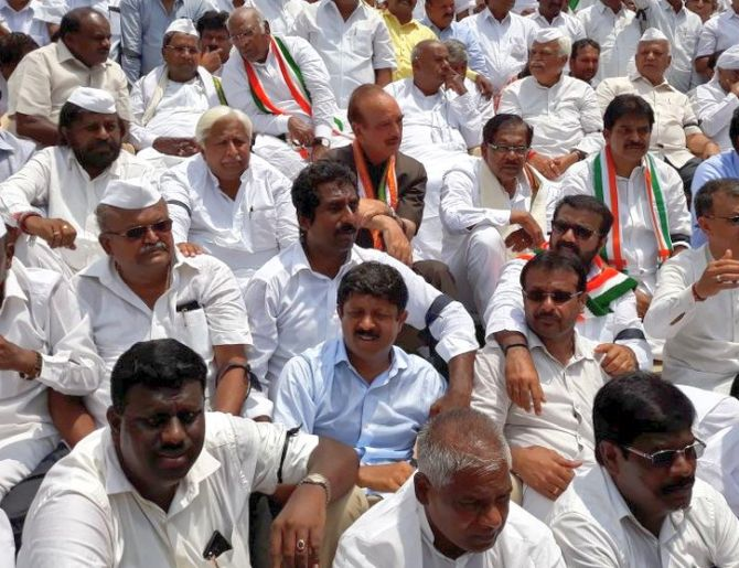 Congress, JD-S protest outside K'taka assembly against BSY's swearing-in