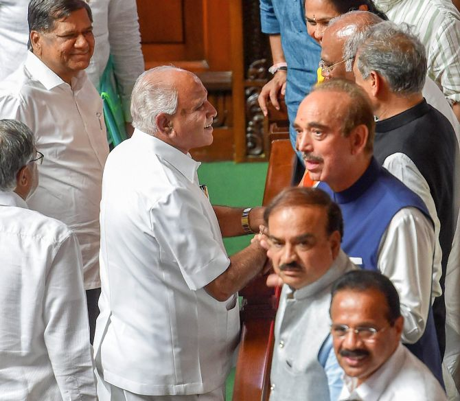 B S Yedyurappa with senior Congress leaders Mallikarjun Kharge, Ashok Gehlot and Ghulam Nabi Azad after he announced his resignation. Also seen: Union Ministers Ananth Kumar and Sadanand Gowda. Photograph: Shailendra Bhojak/PTI Photo