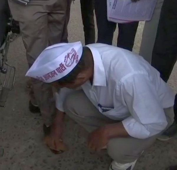 This candidate is polishing shoes to woo voters in MP