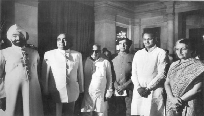 Ashok Gehlot with then President Giani Zail Singh and then prime minister Indira Gandhi.