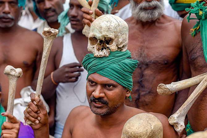 111 Tamil farmers to contest against Modi in Varanasi