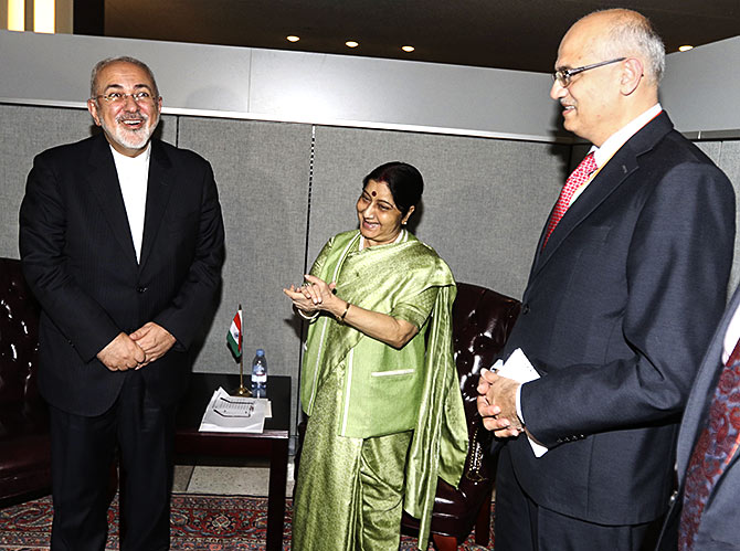 External Affairs Minister Sushma Swaraj, centre, with Iranian Foreign Minister Mohammed Javad Zarif, left, and Foreign Secretary Vijay Gokhale at the United Nations, September 26, 2018. Photograph: Mohammed Jaffer/SnapsIndia