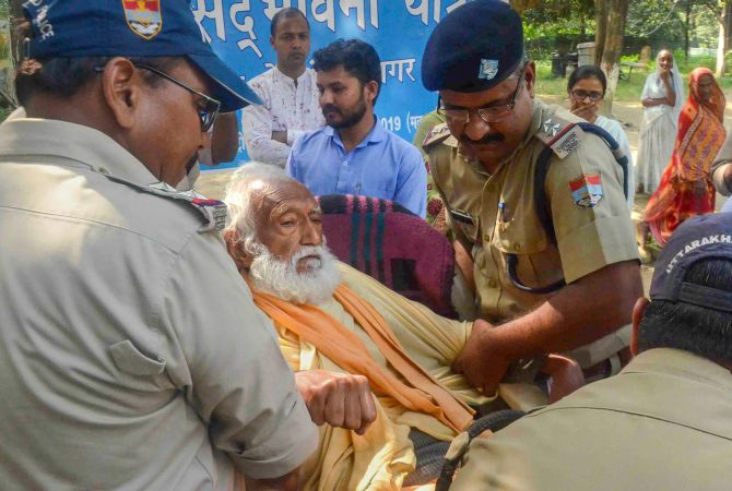 Environmentalist G D Agarwal, who was on a fast unto death since June 22, 2018 for a clean River Ganga, died on October 11, 2018 after fasting for 111 days. Photograph: PTI Photo