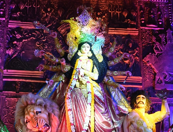 Durga Puja economy is worth Rs 1 lakh cr!