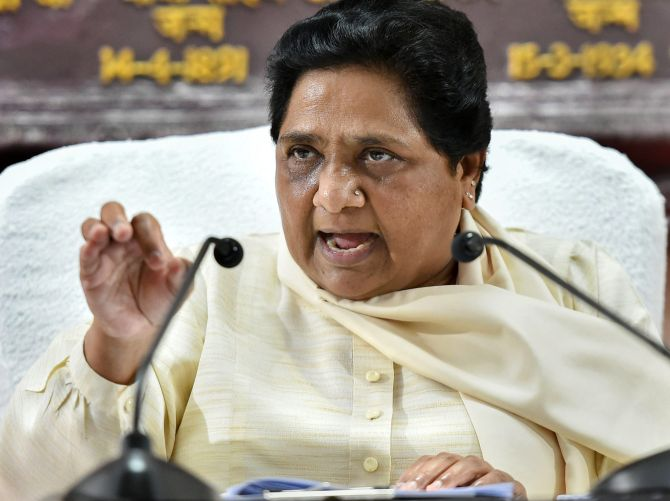 Maya fumes at Cong as all Raj BSP MLAs defect