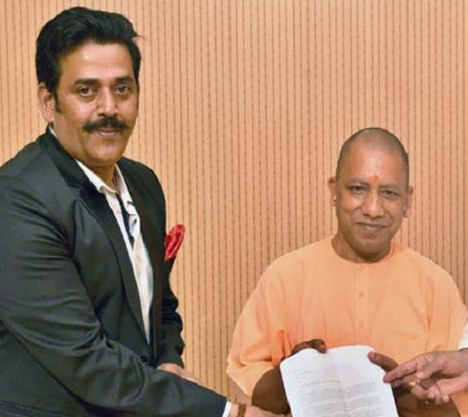 Does Yogi want Ravi Kishan elected from Gorakhpur?