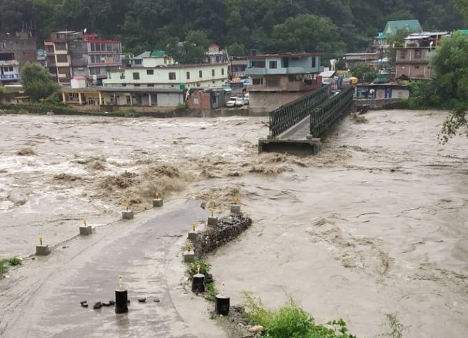 Heavy rains kill 22 in Himachal; flood alert in Delhi