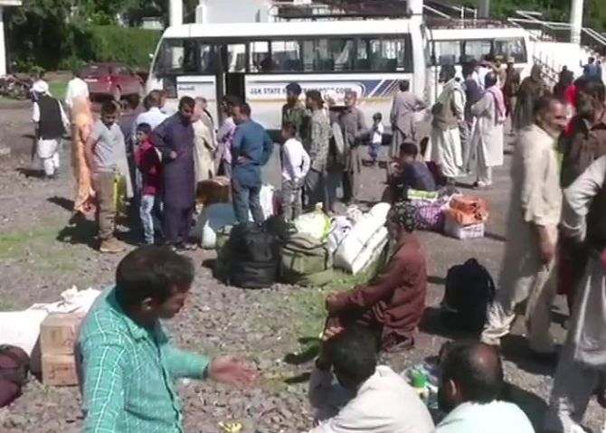 Cross-LoC bus suspended, 42 PoK residents stranded