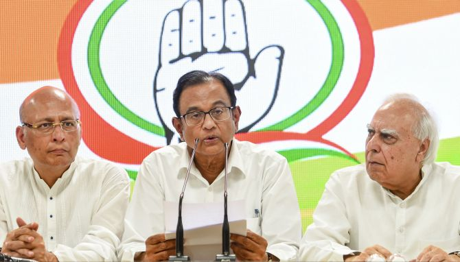 After SC snub, Chidambaram makes dramatic appearance