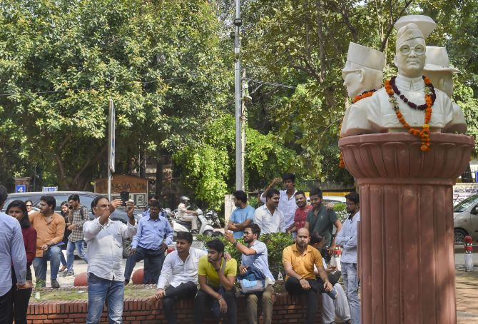 DUSU removes busts of Savarkar, others from campus