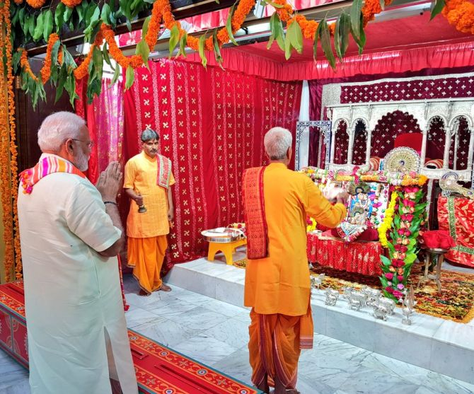 In Bahrain, PM launches $4.2 mn project at temple
