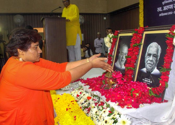 Pragya blames Oppn for BJP leaders' deaths