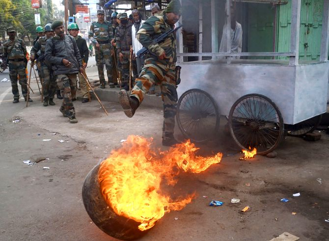 Assam turns war zone as anti-CAB stir intensifies