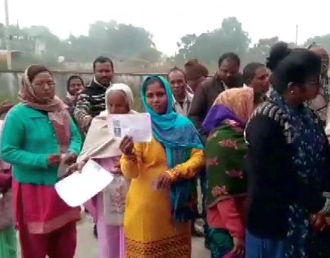 3rd phase of polling underway for 17 seats in Jh'hand