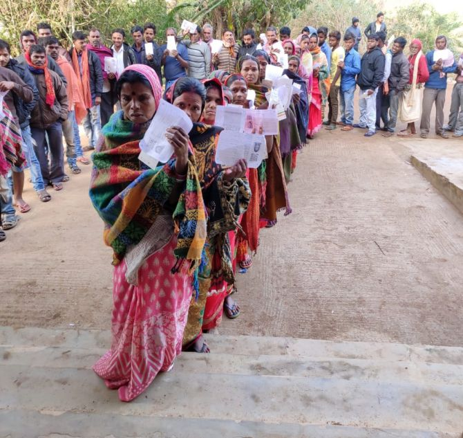 J'khand polls: 11.77% polling recorded till 9 am