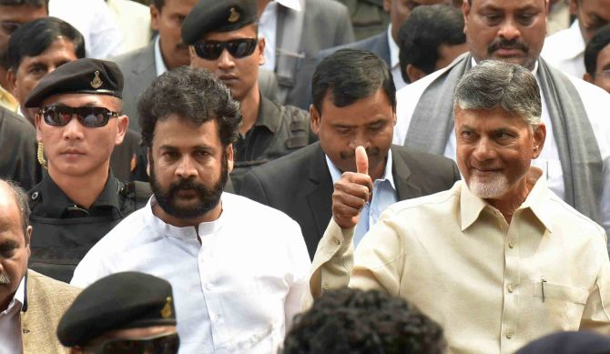 India News - Latest World & Political News - Current News Headlines in India - Chandrababu marches to Rashtrapati Bhavan, demands special status for Andhra