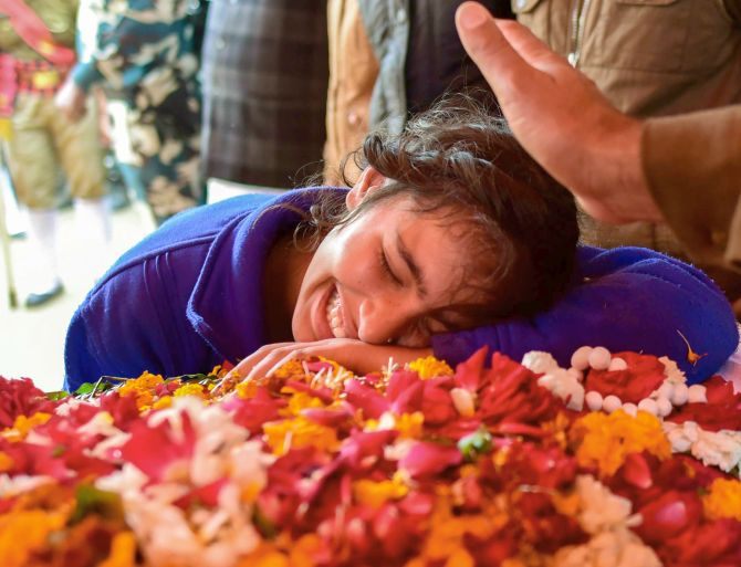 India News - Latest World & Political News - Current News Headlines in India - PHOTOS: India bids tearful farewell to Pulwama martyrs