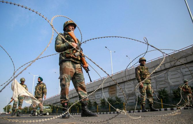 India News - Latest World & Political News - Current News Headlines in India - PHOTOS: Curfew continues for third day in Jammu