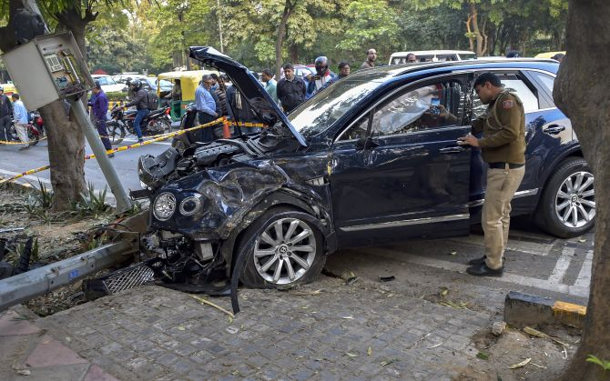 India News - Latest World & Political News - Current News Headlines in India - Bentley, driven by business tycoon's son, hits auto, kills foreigner in Delhi