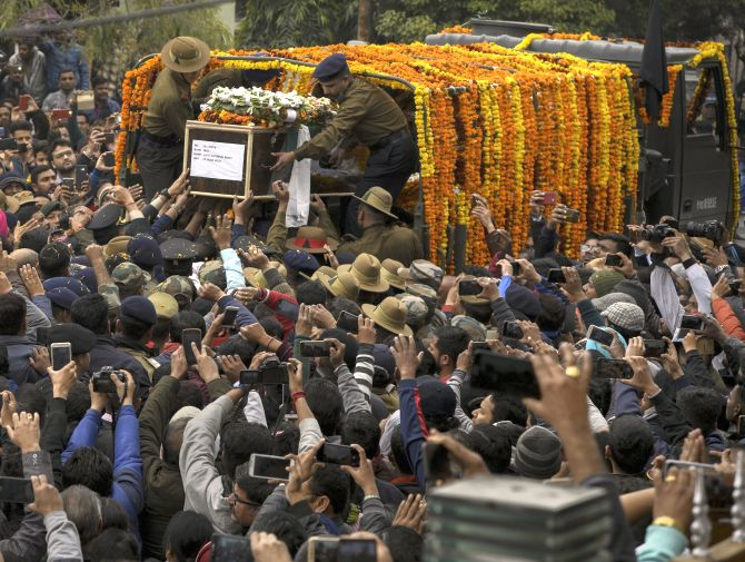 India News - Latest World & Political News - Current News Headlines in India - PHOTOS: Tearful Dehradun bids farewell to Major Bisht